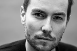 Tomasz Jedrowski: Swimming in the Dark